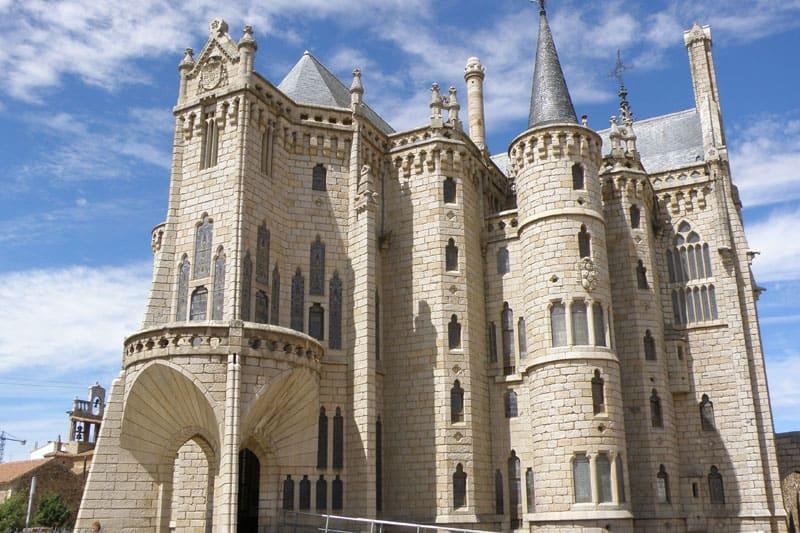 Excursión en autobús de día a Astorga y Castrillo de los Polvazares y cocido maragato.