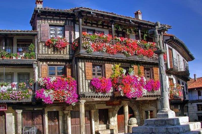 Viaje organizado en autobús a la Alberca Salamanca desde Asturias