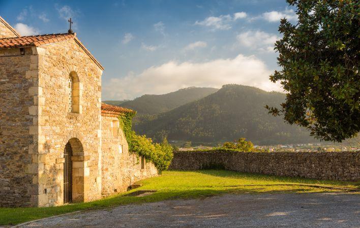 11iglesia prerrománica de San Juan en Santianes (Pravia),